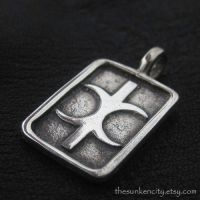 Silver Hand of Eris pendant by Sulislaw