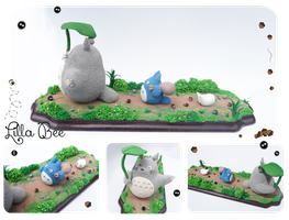 Totoro walk by SuGaR-AdDIKt