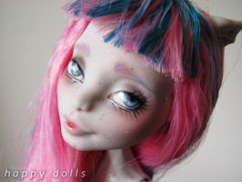 rochelle repaint monster high doll by hellohappycrafts