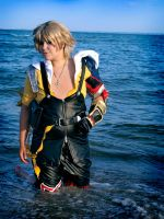 Tidus Cosplay - The ocean by zahnpasta