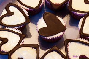 Lemony polenta-cupcakes with heart by Cailleanne