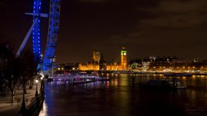 London at night by LunaFeles