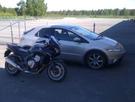 CBF600 and Civic by tomkulaots
