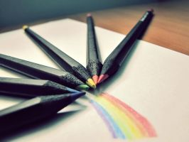 Crayons rainbow by Rouse09