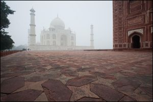 Morning in Taj Mahal by IgorLaptev