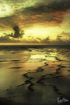 Sunset At Ujung Genteng by ditya