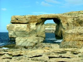 Azure Window by floramelitensis