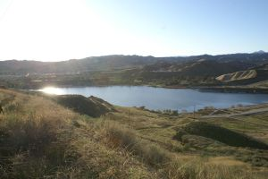 Castaic Lake by M0nteNegr0