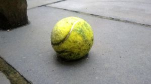 the original yellow ball by maurice1997