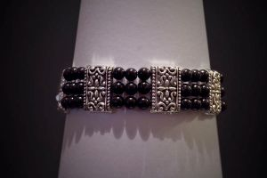 bracelet - black and siver by Sizhiven
