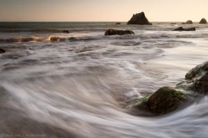 Around the rocks by isotophoto