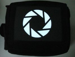 Glowing Bag - Aperture Logo2 by techgeekgirl