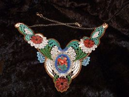 Colorful Lace necklace with cameo by Serata