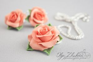 Pendant and earrings with roses from polymer clay by polyflowers