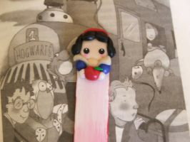 """""""SNOW WHITE"""" BOOKMARK by Libellulina"""