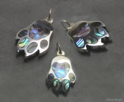 Paua Paw Pendant by Dans-Magic