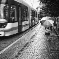 girl in the rain.. by pigarot