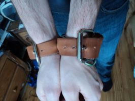 Leather cuff by LeTrefle