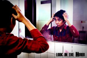 look at the miror by lampoeent