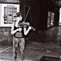 The Violinist by MarinaCoric