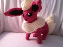 Flareon Crocheted by Kitorahoshi