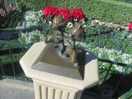 Chip and Dale Statue by BigMac1212