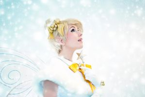 Snow Tinkerbell by clefchan