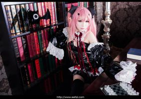 Seraph of the End Cosplay 2 by eefai
