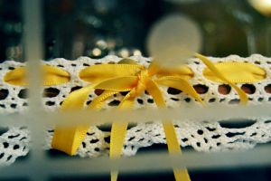 Yellow bow. by chiaramncsp