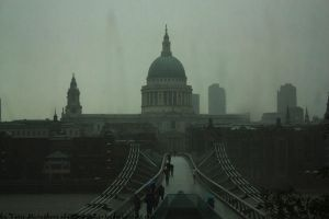 St.Paul's Cathedral in Rain by Ilman-Lintu