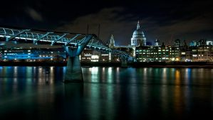 Millenium bridge at Night by Mohain