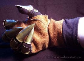 Claw Glove Part 2 by LordDonovan