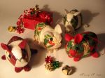 Red+Green Guinea Pig Ornaments by Morumoto