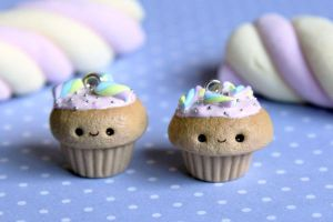Kawaii Marshmallow Cupcake Charms (video tutorial) by RawrRufus
