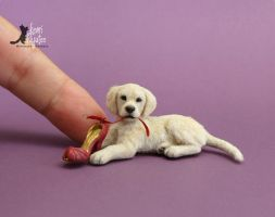 Golden Retriever pup sculpture by Pajutee