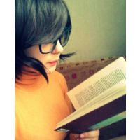 Reading books is good for you by MyleneGautier