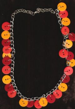 red button necklace by kiyagas
