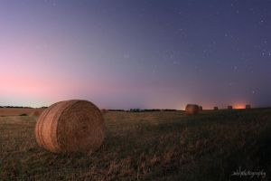 Hay Bales - Day to Night Transition by Aquilapse