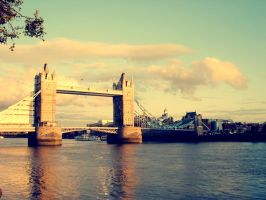 tower bridge by joesie