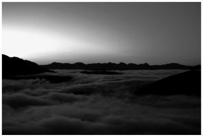 Sunrise in black and white by hcrobber