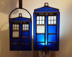 Tardis Ornament 2.0 and Night Light Shade by DarkeVitrum