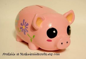 The Cutest Piggie Bank Ever by maskedrabbitcrafts
