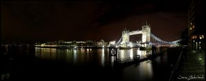 Tower bridge panorama by Jensfromsweden