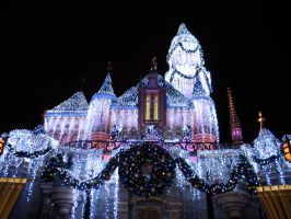 Disneyland Christmas Castle by UzuriLion94