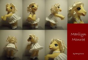 Marilyn Monroe by berrymouse by customlpvalley