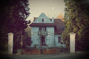 Manor house by tenlittlebirds