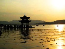Silhouette of West Lake by misspez