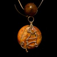 Agate Wired Sitting Cat Pendant Necklace by SingapuraStudio