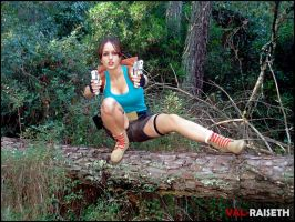 Lara Croft ready to shoot by Val-Raiseth
