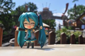 Miku at the amusement park by Michiresu